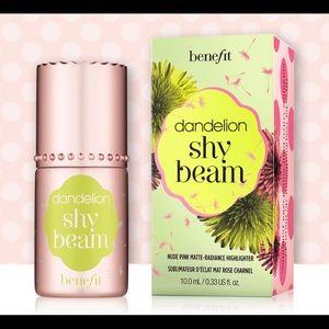 *Dandelion Shy Beam Liquid Highlighter